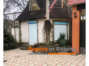 Защитные роллеты на окна и двери сезонного кафе в Любимовке