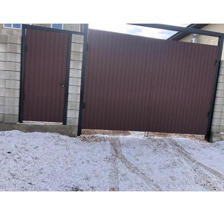Распашные ворота 3000*2200 из профнастила с отдельно стоящей калиткой
